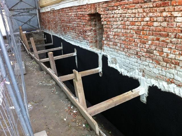 Bitumeny - izolace svislé stěny